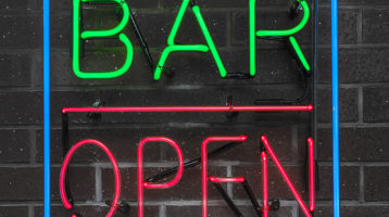 Minneapolis Considering Extending Bar Time By Two Hours